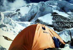 19791000-C3よりニルギリ山頂を望む.JPG