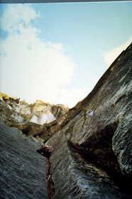 19840727-甲斐駒が岳赤蜘蛛ルートを登る.JPG