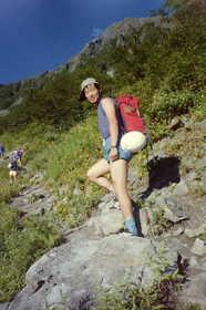 19860822-北岳バットレスに向かう.JPG