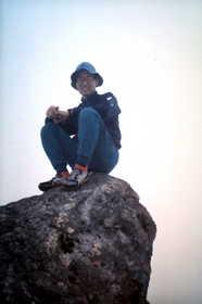 19930807-甲斐駒が岳の岩峰の上で.JPG