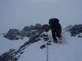 20141229-凍てついた地蔵尾根を登る.jpg