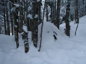 20141229-赤岳から戻るとテントがかくれんぼ.jpg
